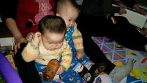 20151218,搂着妹妹看电视