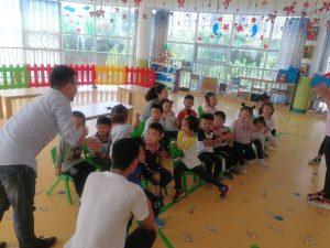20180921,在幼儿园参加八月十五活动